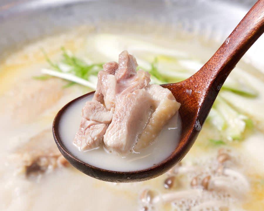 とりいちず酒場 神田北口店で味わえるコラーゲンたっぷり鍋